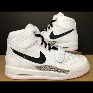 Nike Air Jordan Legacy 312 (GS) Youth  AT4040-106